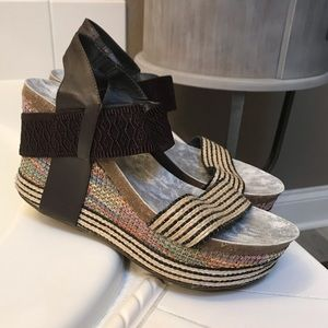 Beautiful Wedge Sandal - Size 8 Boutique Brand